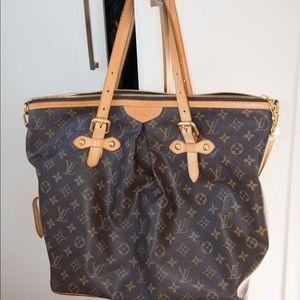 100% authentic Louis Vuitton Pre-owned Palermo bag